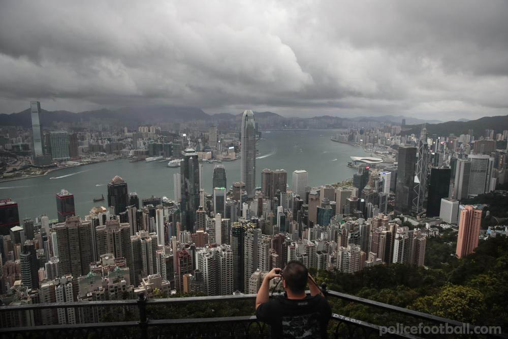 นักเดินทาง จากจีนไปฮ่องกงไม่ต้องกักตัวอีกต่อไป นักท่องเที่ยวที่เดินทางมาฮ่องกงจากจีนจะไม่ต้องกักกันอีกต่อไป เจ้าหน้าที่ระดับสูงของฮ่องกงกล่าว